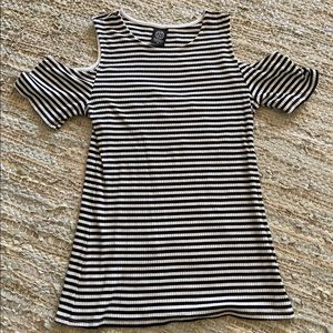 Black and white stripe cold shoulder tee
